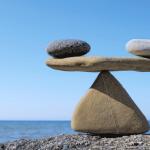 Cân bằng giữa yếu tố tấn công và yếu tố bảo vệ trong điều trị trào ngược & viêm loét dạ dày