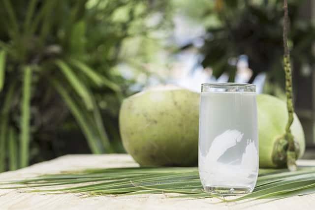 nước dừa tốt cho bệnh dạ dày