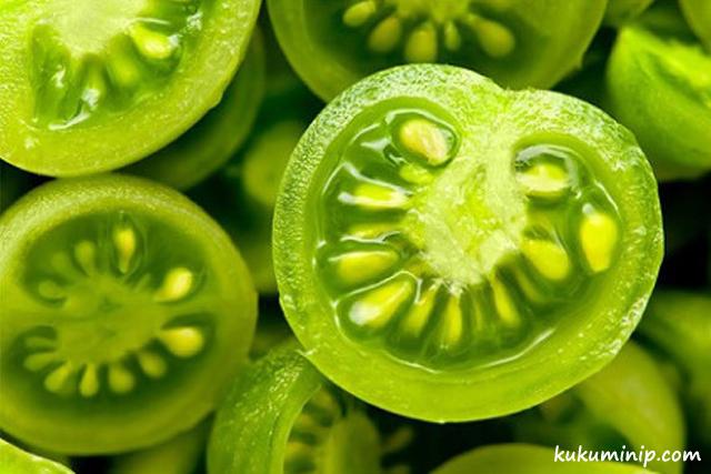 những thực phẩm không nên ăn cà chua xanh